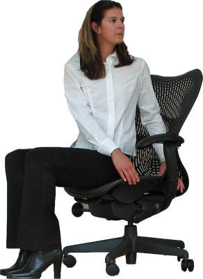 Bài tập thể dục hữu hiệu cho dân văn phòng khi kết hợp với ghế xoay