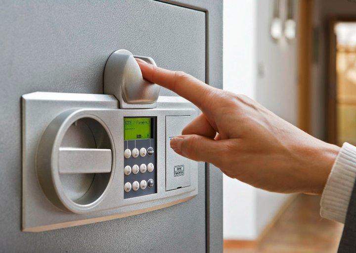 Nên chọn mua két sắt có chỉ số chống cháy và an toàn cao